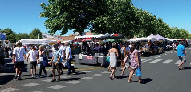 Photo représentant le marché d'Ars-en-Ré