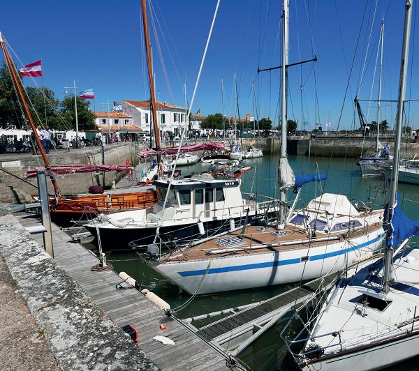 Photo représentant le Port  de plaisance d'Ars-en-Ré, sur l'île de Ré